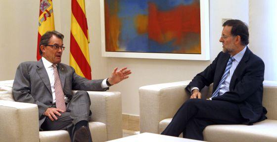 Mas y Rajoy en la Moncloa (2012). El portazo al Pacto Fiscal (un aproximació al Concierto vasco) abre el camino de la crisis actual.
