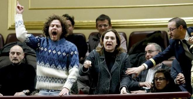 Ada Colau en la tribuna del Congreso contra la Ley anti desahucios 2013